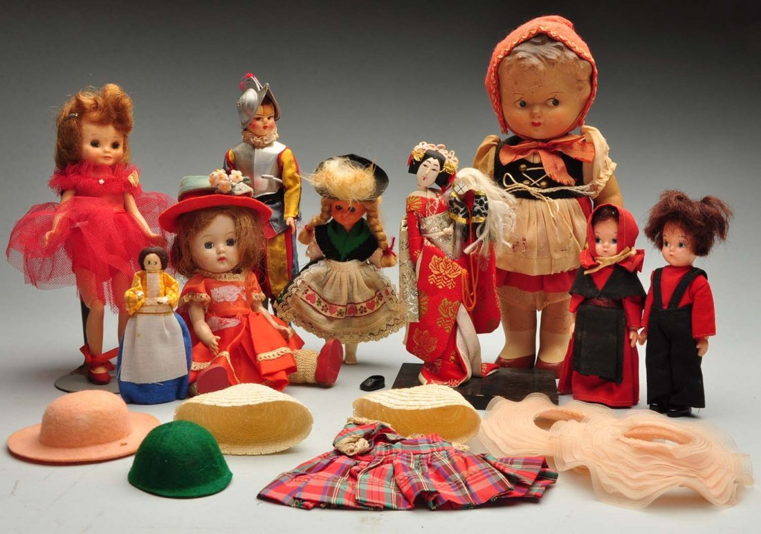 Lot Of Modern Dolls.