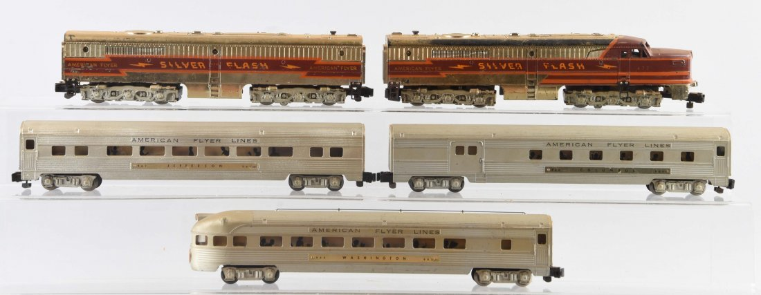 Lot of 5: American Flyer Silver Flash Passenger Set.