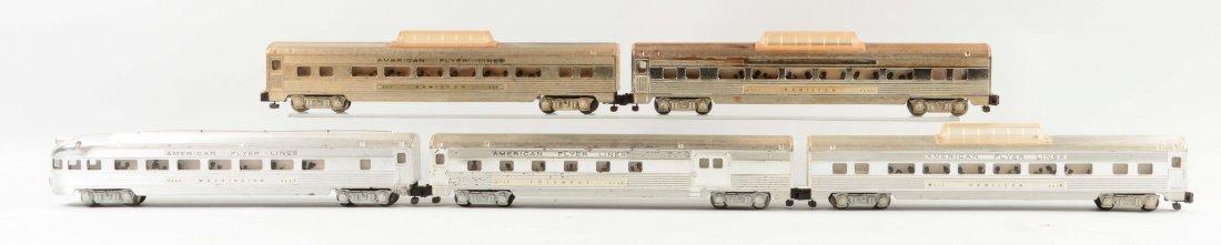 Lot of 5: 960 Series Passenger Cars.