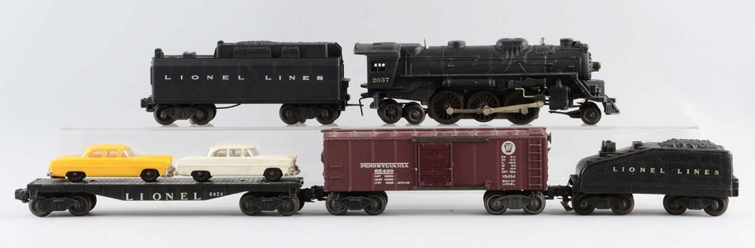 Lot Of 5: Lionel No. 2037 Locomotive & Freight Cars.