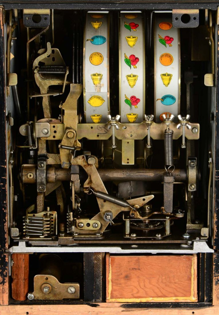 **25¢ Mills Black Cherry Half-Top Slot Machine - 7