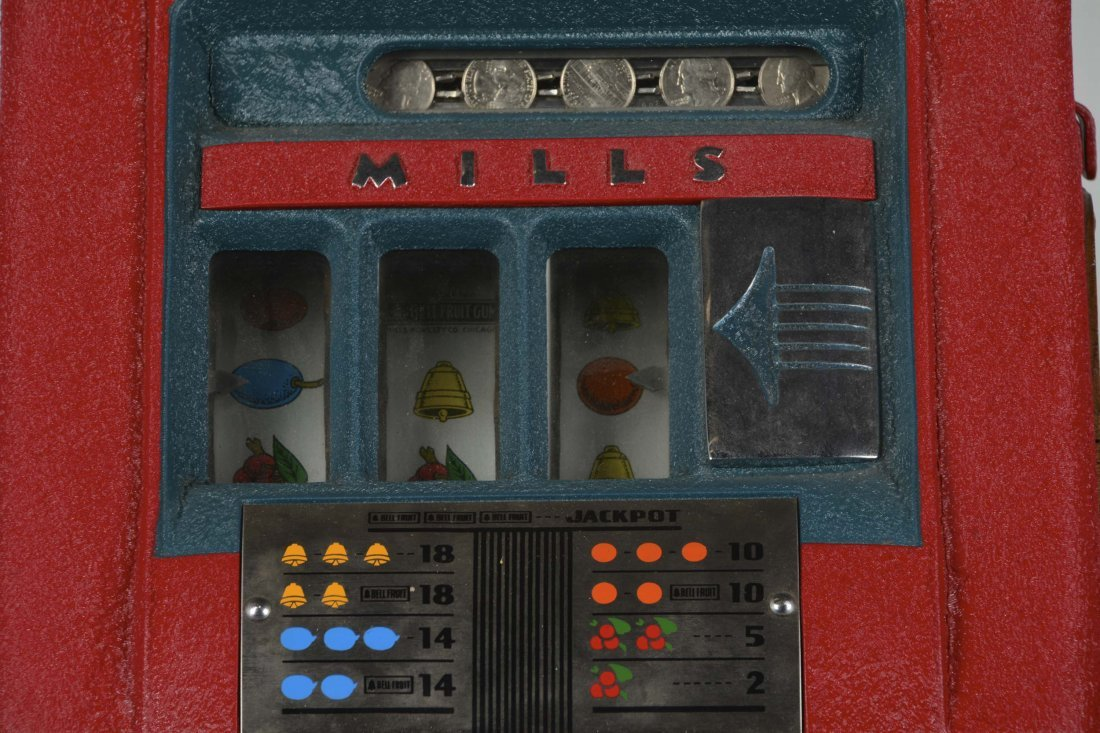 **25¢ Mills High Top Slot Machine - 2