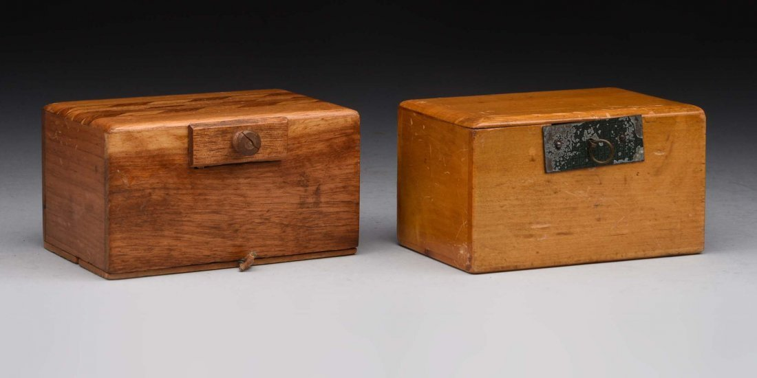 Lot Of 2 : Wooden Banks.