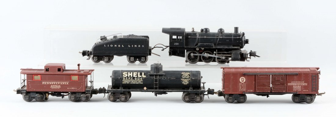 Lot of 5: Lionel No. 203 Switcher & Rolling Stock.
