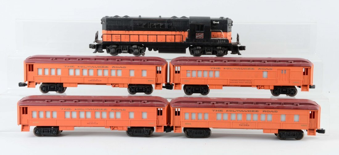 "Lot Of 5: Lionel Trains ""Milwaukee Road""."
