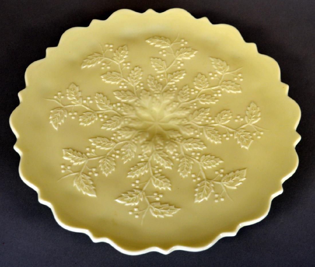 Northwood Custard Holly chop plate