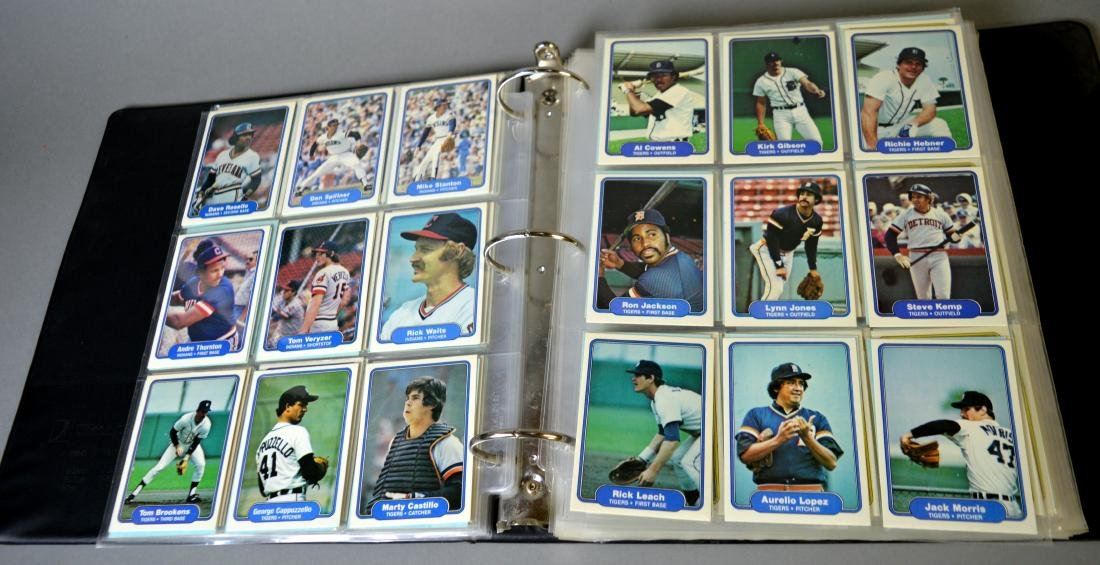 Album with 590+ Fleet baseball cards from the 1980s - 10