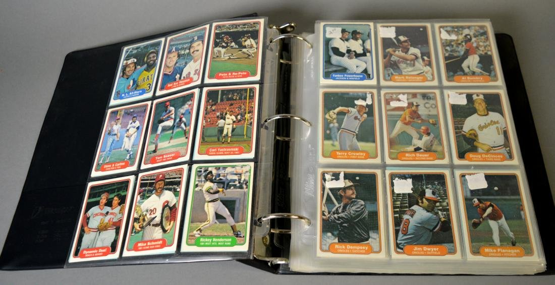 Album with 590+ Fleet baseball cards from the 1980s - 2