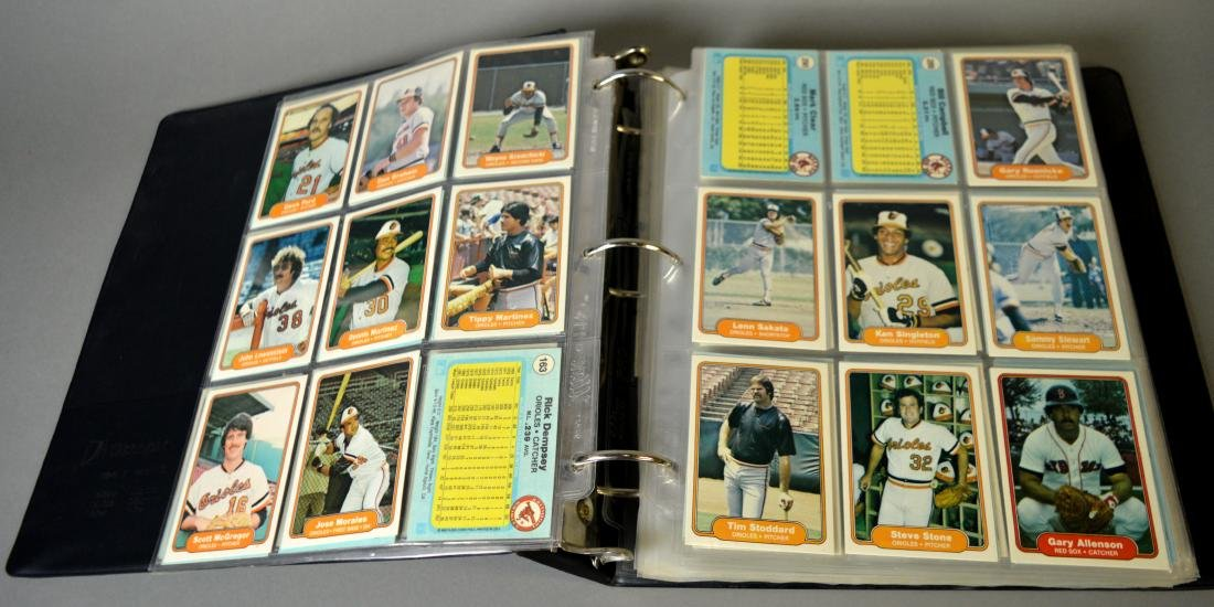 Album with 590+ Fleet baseball cards from the 1980s - 4