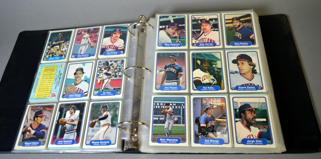 Album with 590+ Fleet baseball cards from the 1980s - 9
