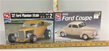 2 AMT Ertl 1:25 Model Kits '40 Ford Coupe '32 Ford
