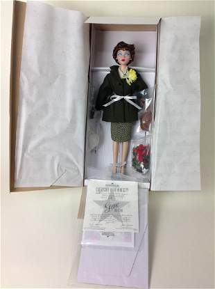 Ashton Drake, Gene, Coca-Cola Girl Holiday Shopper Doll
