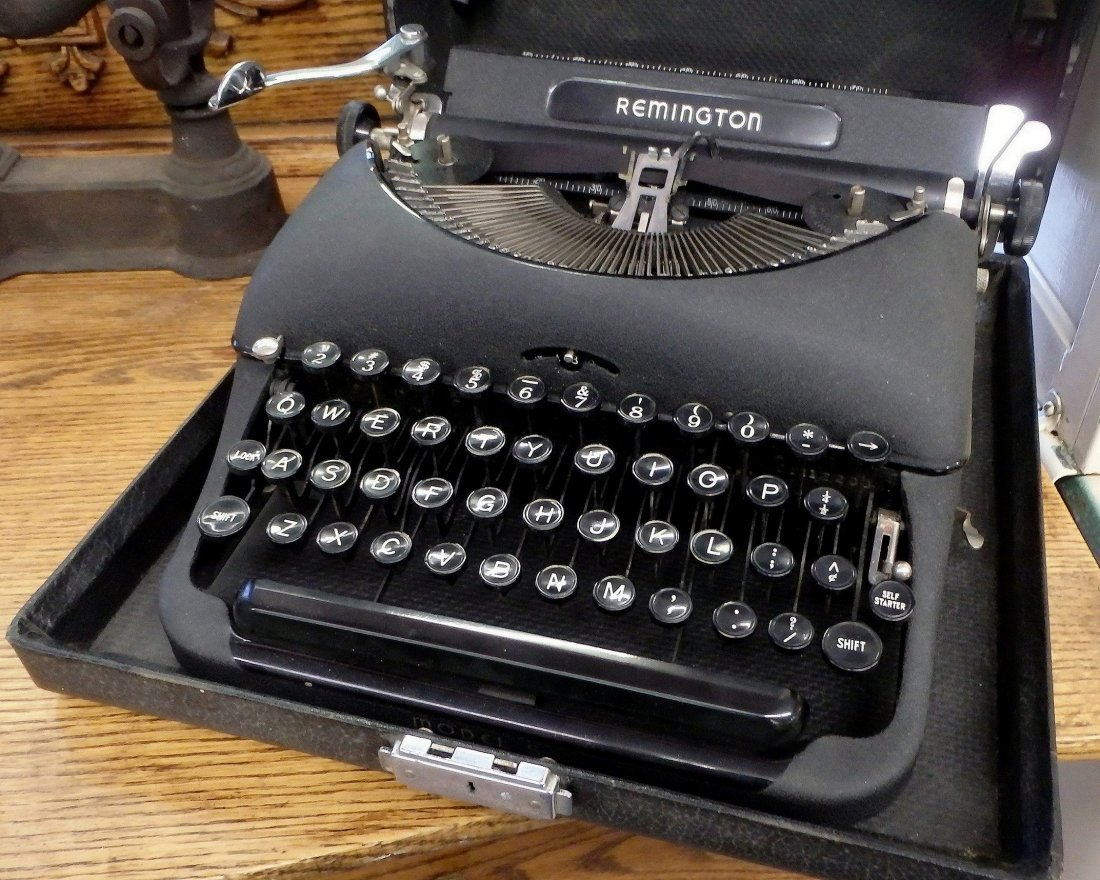 Remington Rand Portable Typewriter Model 5