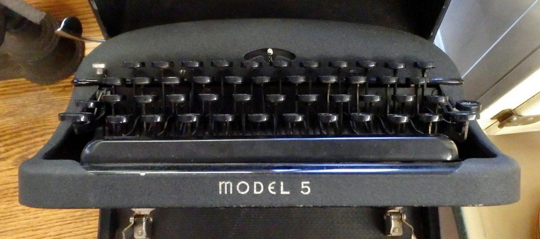Remington Rand Portable Typewriter Model 5 - 2