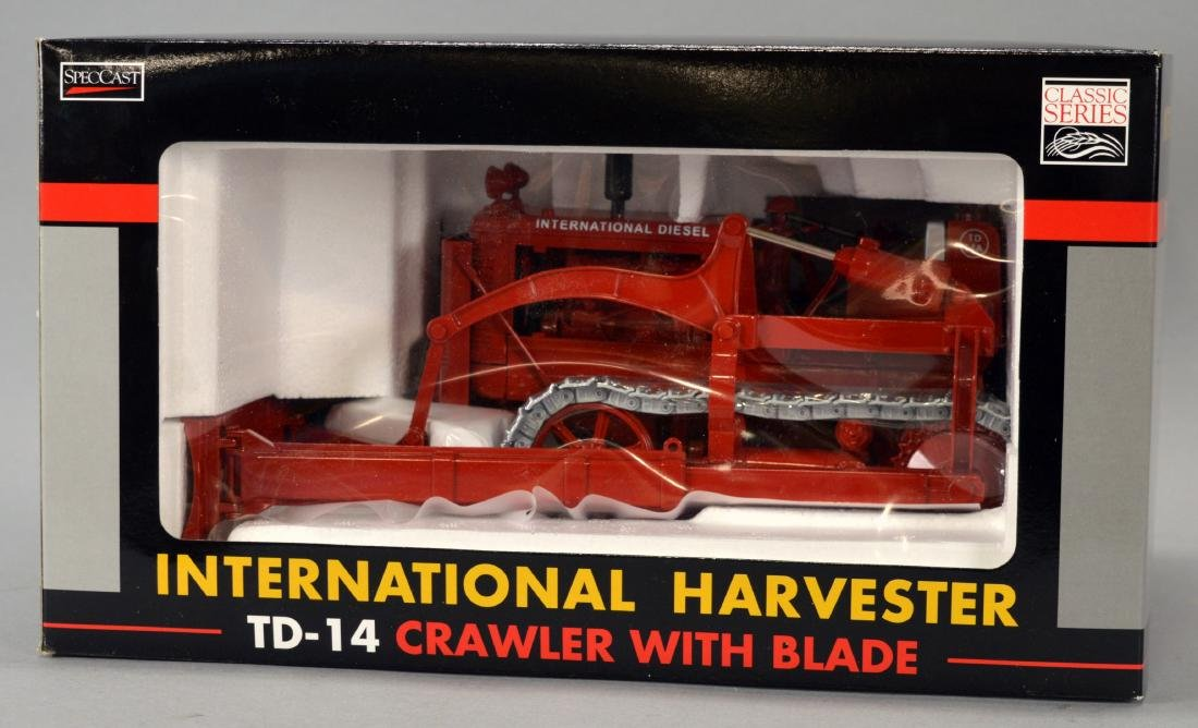 SpecCast 1/16-Scale New-In-Box International Harvester