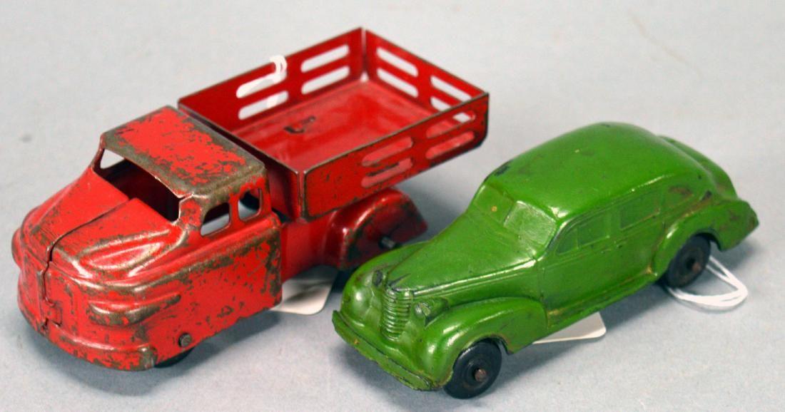 Lot Of 2 Toys - Wyandotte Dump Truck & Auburn Rubber