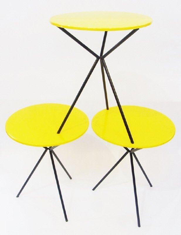 Modern set of three circular occasional tables, with