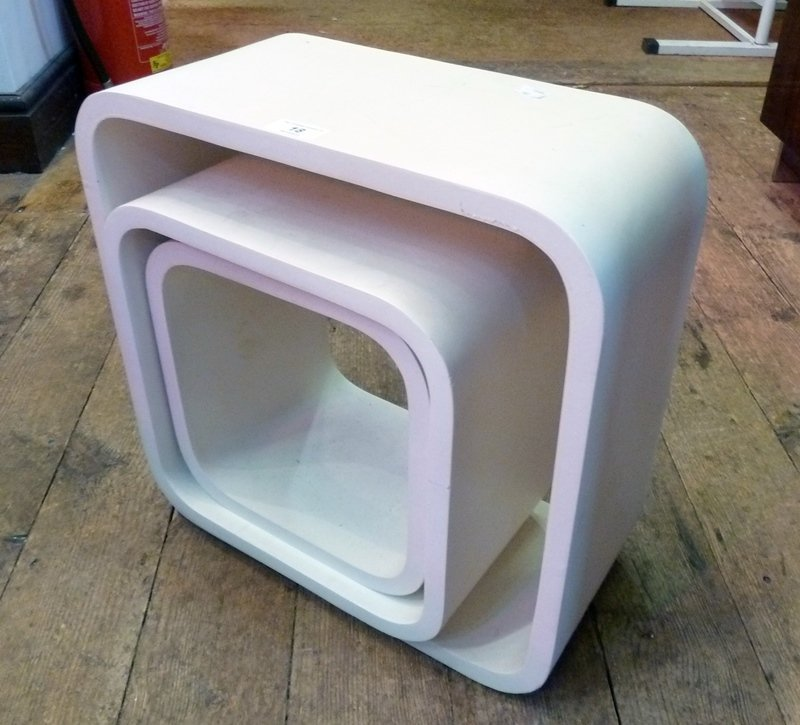 Modern cream plastic nest of tables in square form (3)