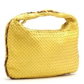 Medium Intrecciato Hobo Bag, Bottega Veneta
