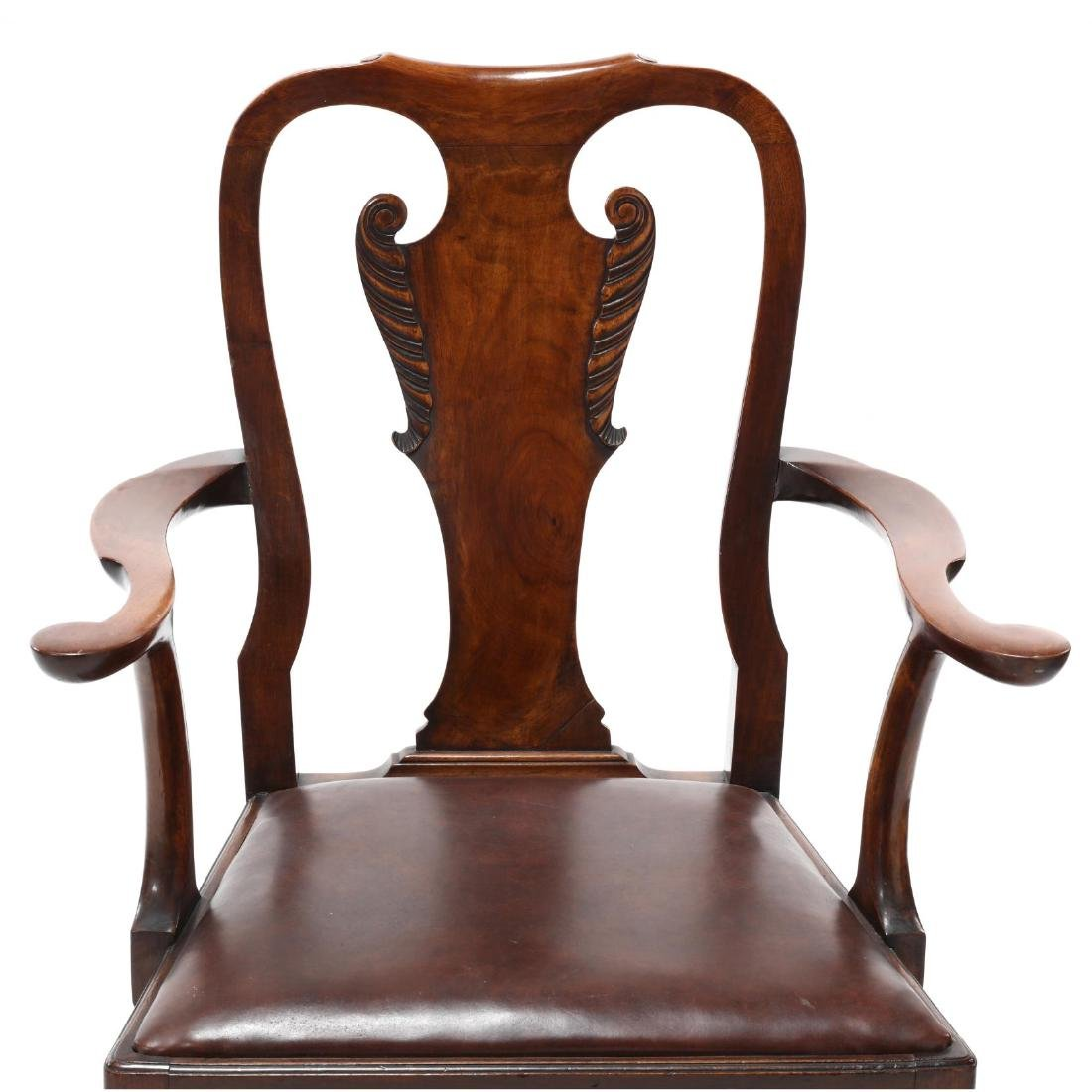 Set of Eight Chippendale Style Carved Dining Chairs - 7