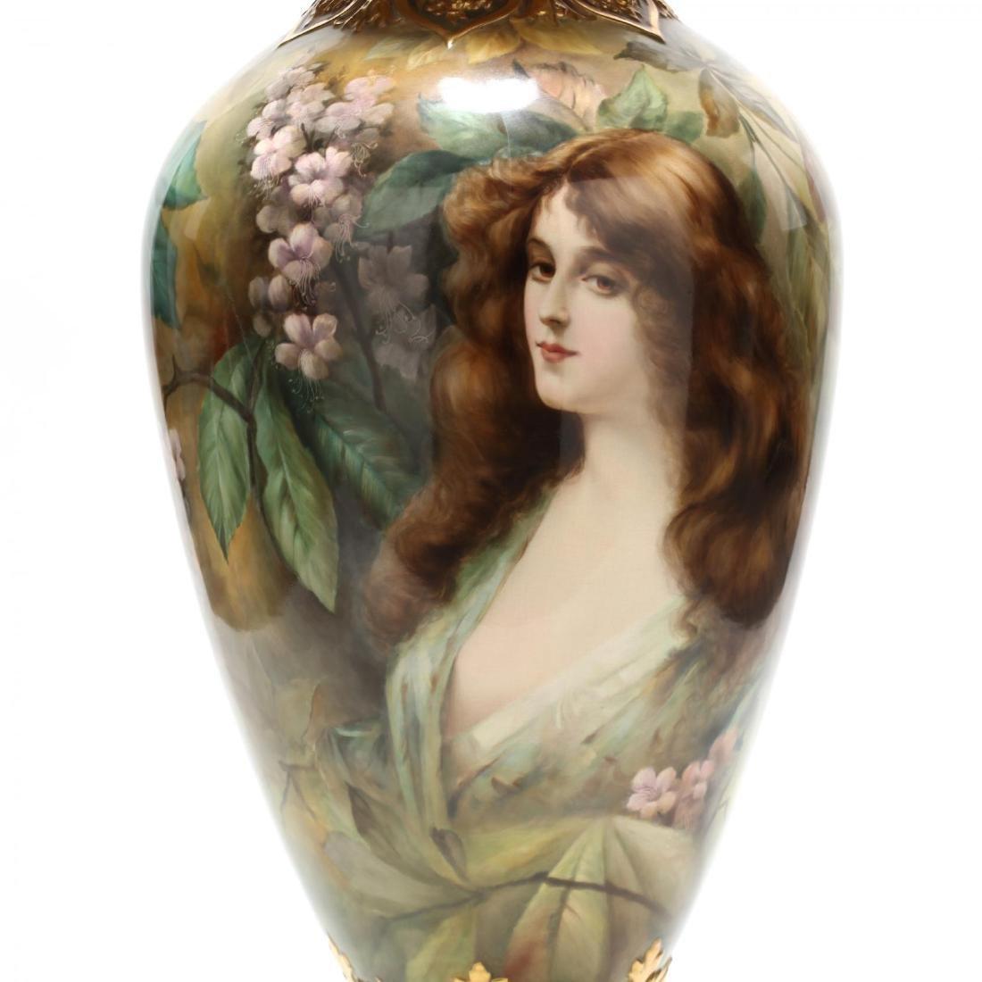 An Impressive Royal Bonn Art Nouveau Portrait Urn - 2