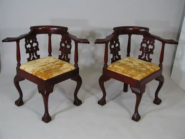 17: Pair of Chippendale Style Corner Chairs,