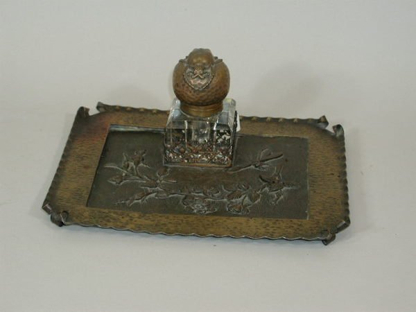 22: Inkwell and Tray,
