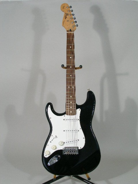 2009: Fender Lefty Stratocaster, made in Mexico,