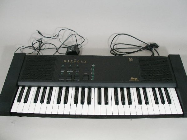 2083: The Miracle Piano Teaching System Keyboard,