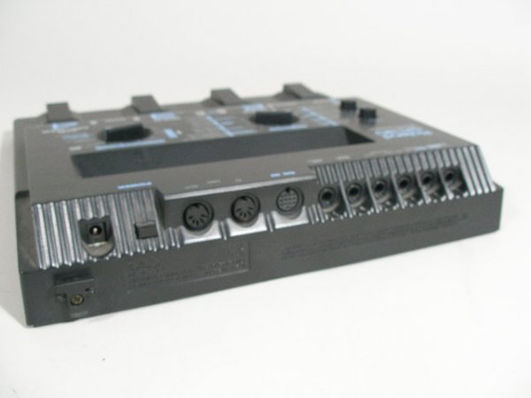 2086: Roland GR-30 Guitar Synthesizer Pedal Board, - 5