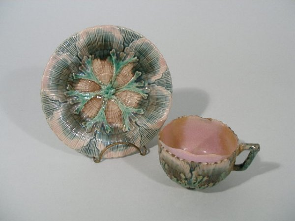 1007: Etruscan Majolica Shell & Seaweed Moustache Cup w