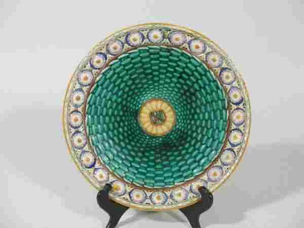 1037: Wedgwood Majolica Plate,