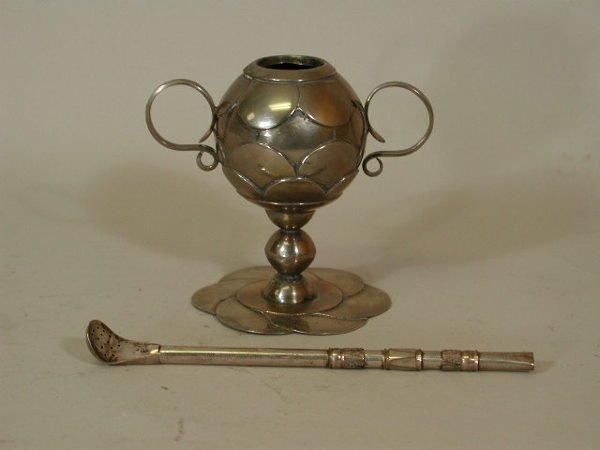 1009: Silver Mate Cup w/Bombilla Straw,
