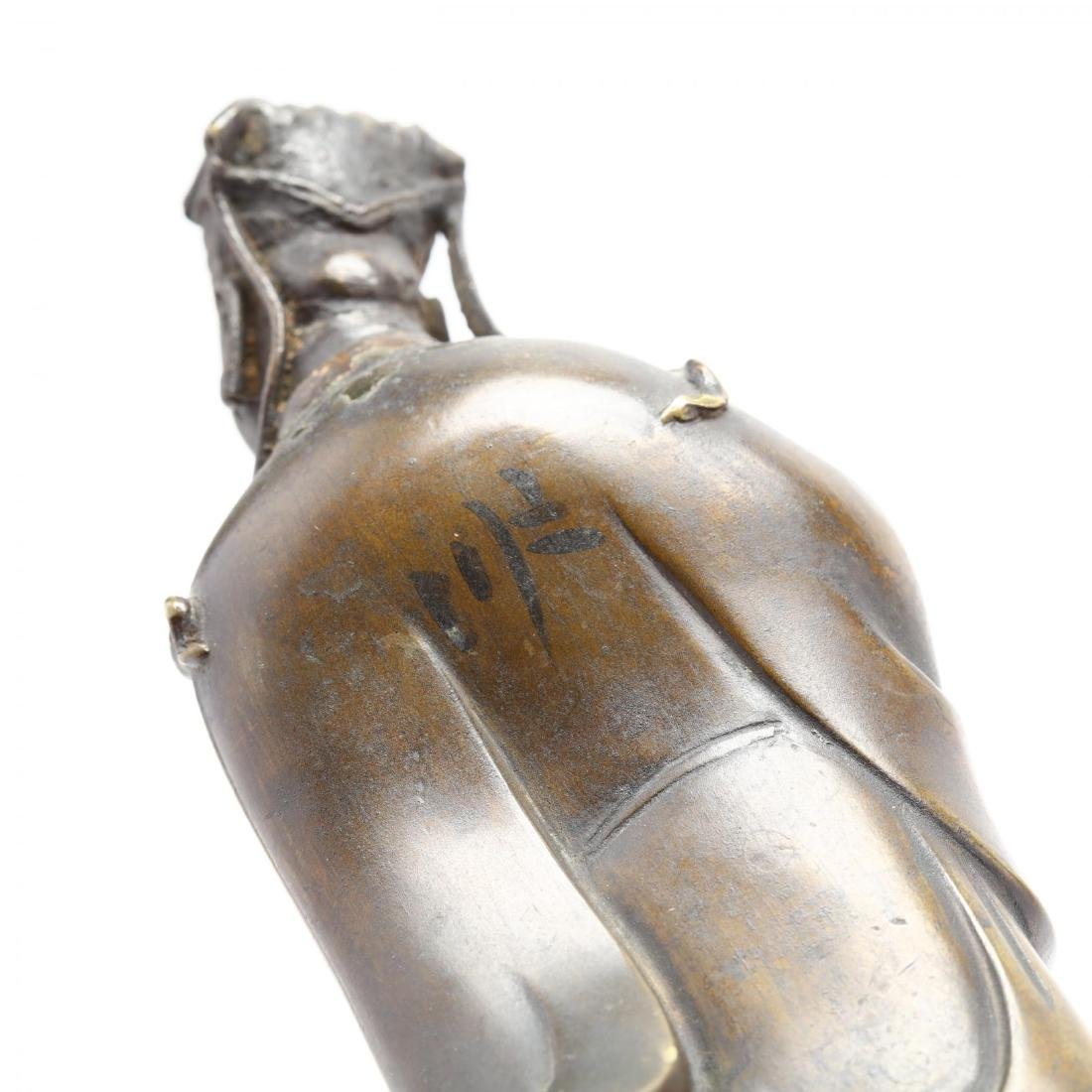 A Chinese Bronze Sculpture of a Noble Scholar - 4