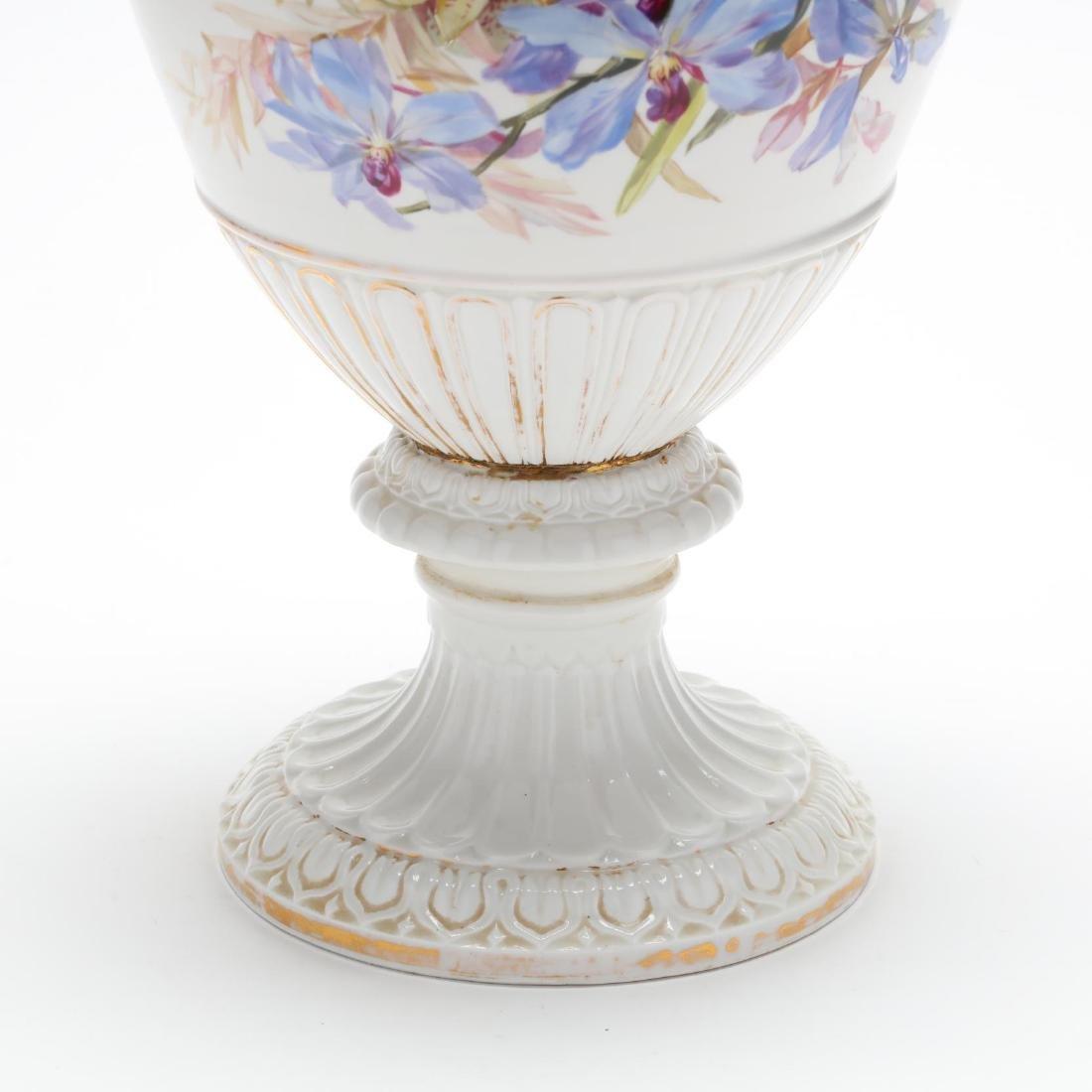 A Meissen Gilt Decorated Porcelain Vase - 4