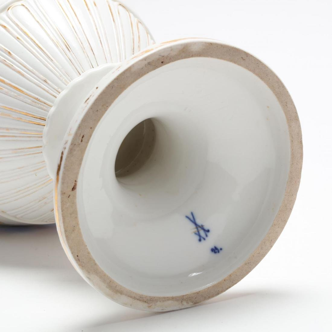 A Meissen Gilt Decorated Porcelain Vase - 7