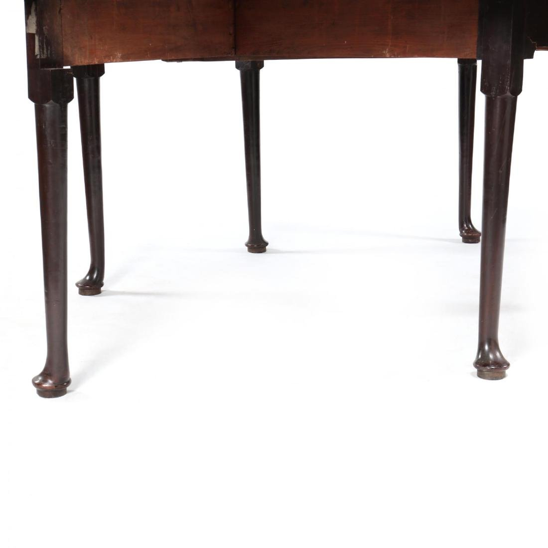 George II Mahogany Drop Leaf Dining Table - 4