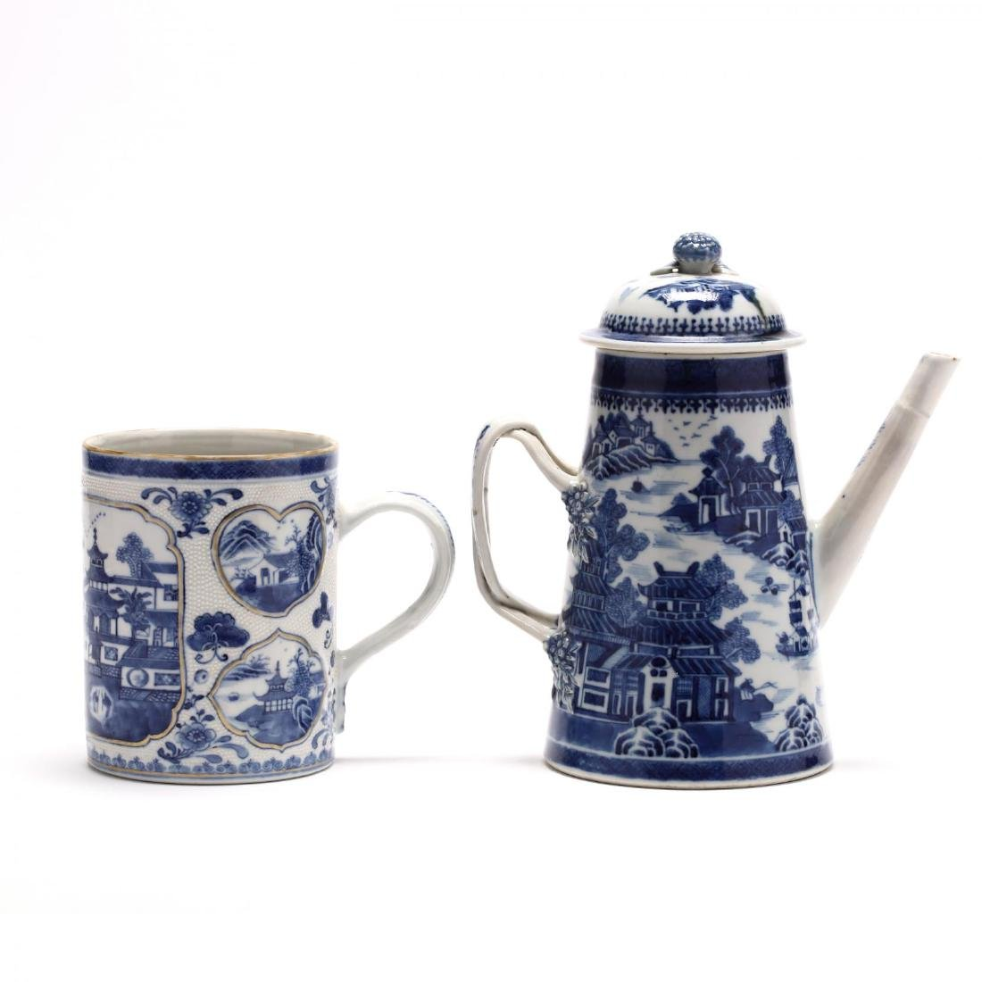 Three Chinese Export Blue and White Porcelain Vessels - 8