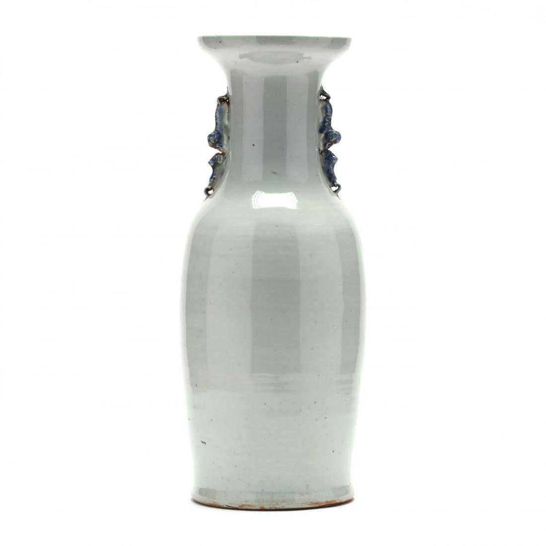 A Large Chinese Blue and White Vase - 6