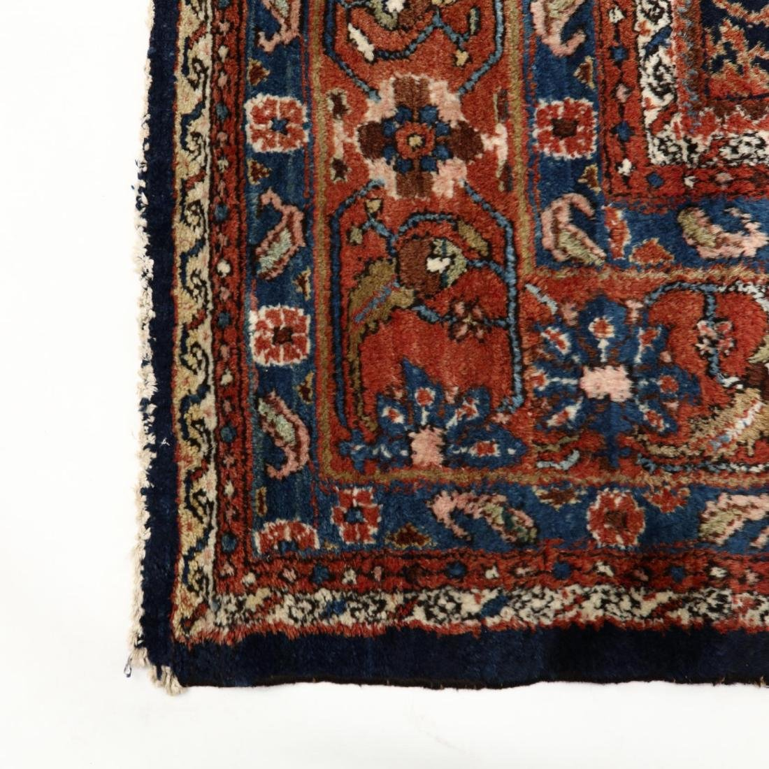 Semi Antique Bakhtiari Carpet - 4