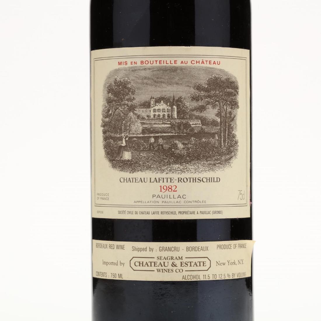 Chateau Lafite-Rothschild - Vintage 1982 - 2