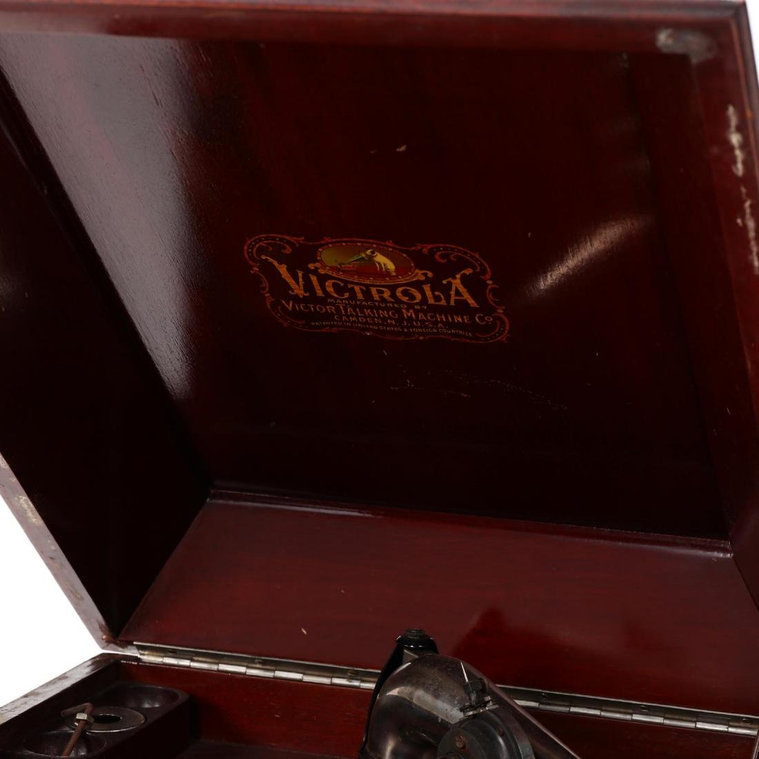 Victor Table Top Victrola Record Player - 2