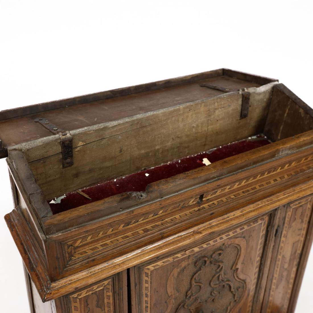 Antique Inlaid Prie-Dieu Cabinet - 3