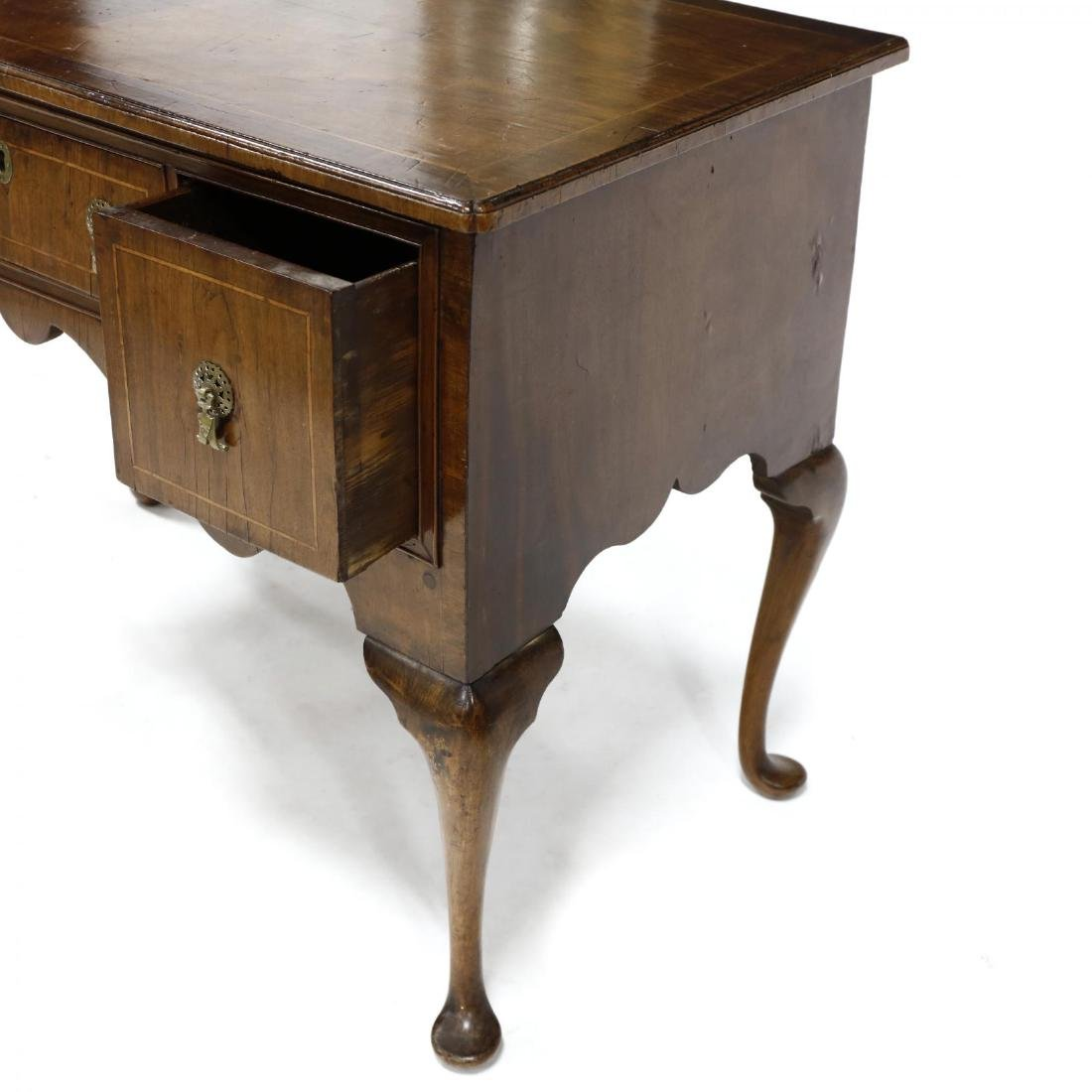 Queen Anne Walnut Dressing Table - 3