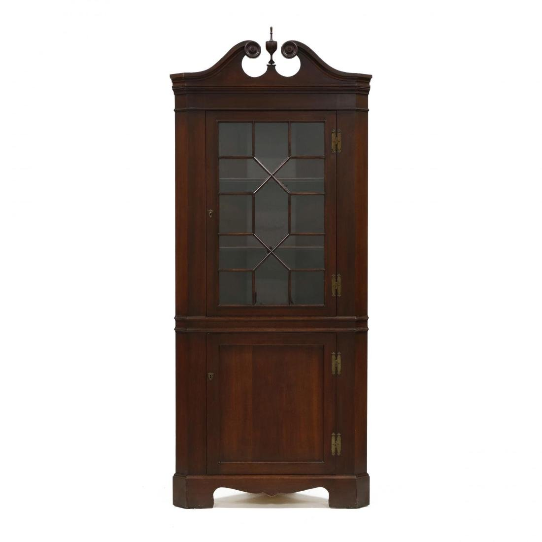 Pair of Federal Style Mahogany Corner Cabinets - 2