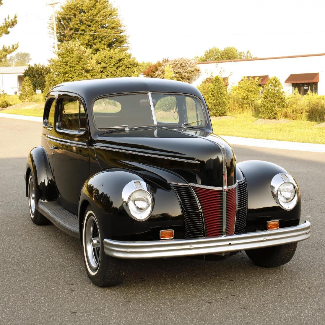 1940 Ford Deluxe Tudor Sedan - 4