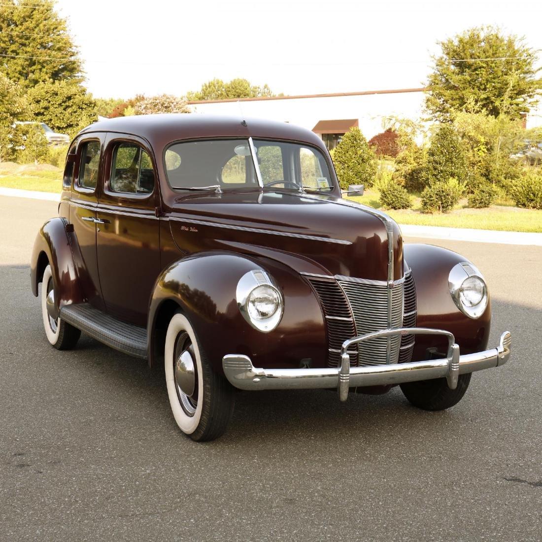 1940 Ford Deluxe Fordor Sedan - 4