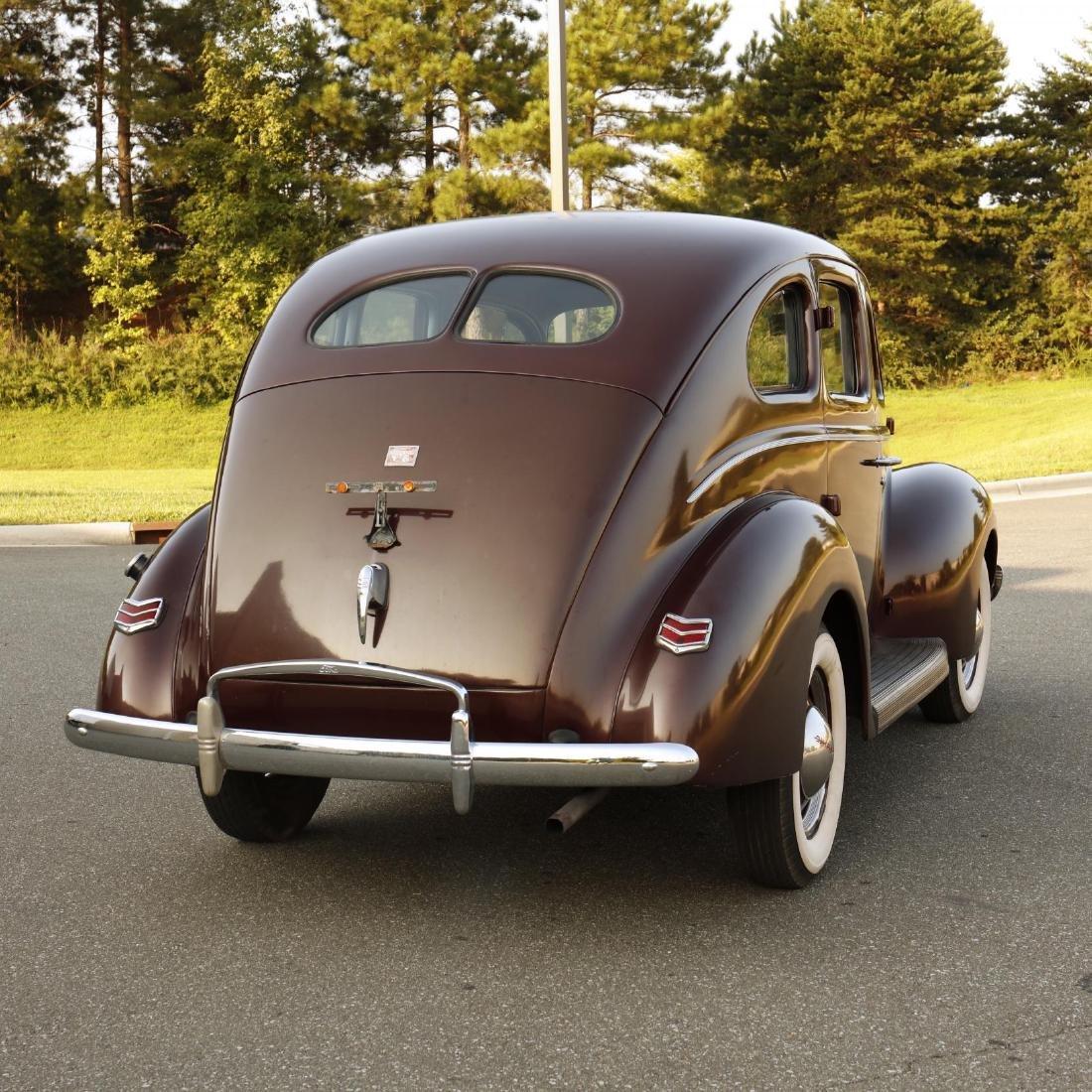 1940 Ford Deluxe Fordor Sedan - 5