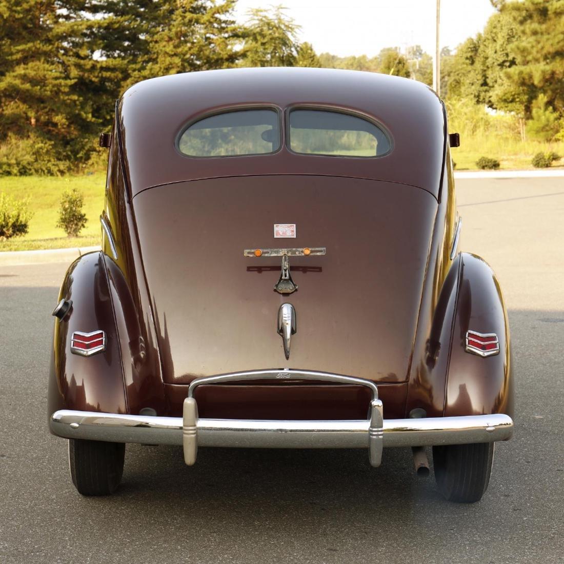 1940 Ford Deluxe Fordor Sedan - 6