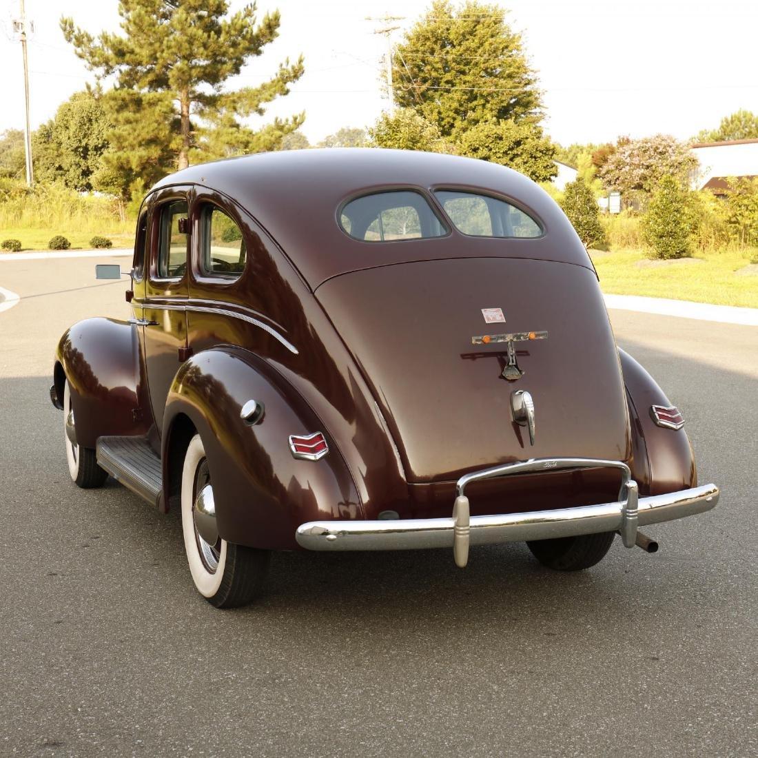 1940 Ford Deluxe Fordor Sedan - 7